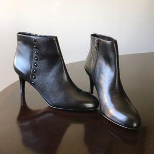 Coach Black  Leather 9.5B Kitten Heel Ankle Boots